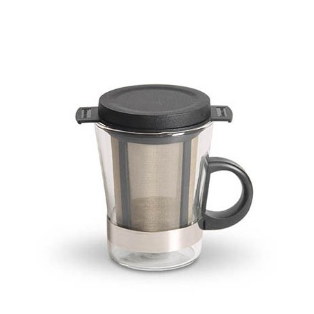 Cup with tea strainer
